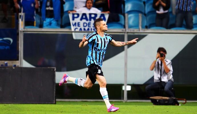 Grêmio x Vitória - Pará (Foto: Fabio Gomes / Photopress / Agência Estado)