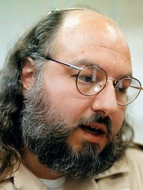 Jonathan Pollard em foto de 15 de maio de 1998 (Foto: AP Photo/Karl DeBlaker, File)