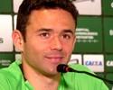 Com gás renovado, Juan assume ser o homem da bola parada no Coritiba