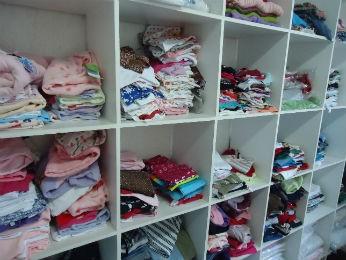 Brechó infantil Curitiba (Foto: Thais Kaniak / G1)