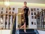 Renata Kuerten usa vestido sexy de R$ 18 mil e deixa dúvida sobre lingerie