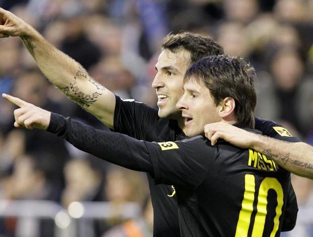 Messi Fabregas gol Barcelona (Foto: EFE)
