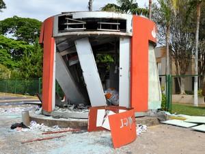Explosão caixa eletrônico Limeira (Foto: Thiago Ribeiro/Câmara de Limeira)