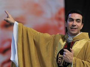 Padre Fábio de Melo preside misssa de encerramento da Festa da Misericórdia. (Foto: Divulgação / Canção Nova)