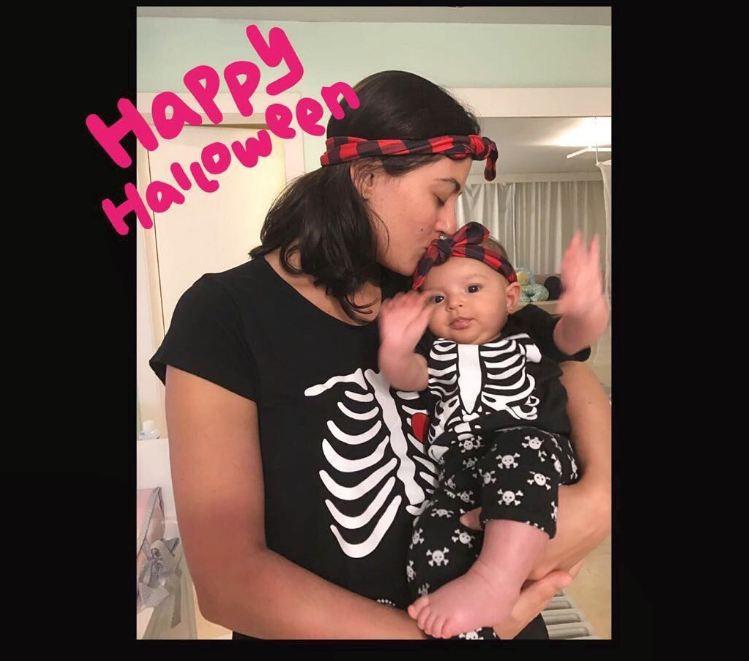 Carol Castro comemora o primeiro Dia das Bruxas da filha Nina (Foto: Reprodução Instagram)