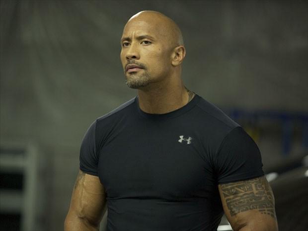 Dwayne Johnson em cena de 'Velozes e furiosos 6' (Foto: Divulgação)