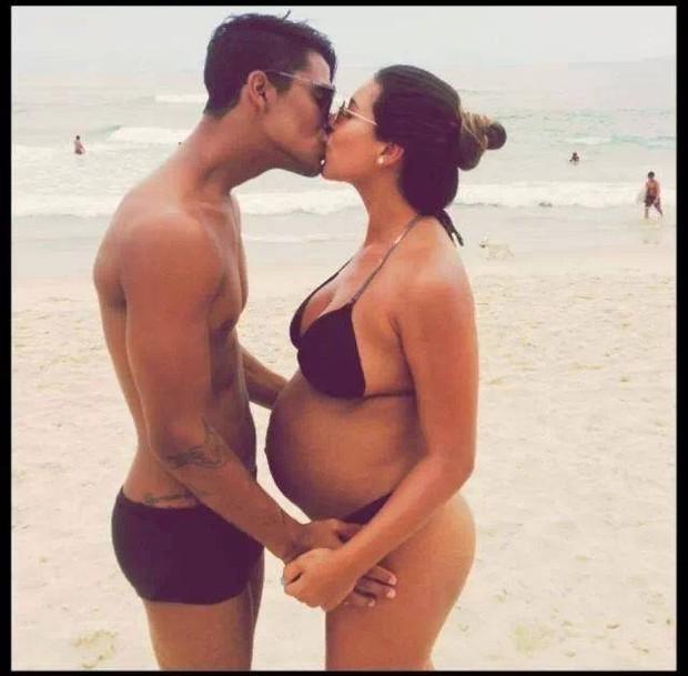 Micael Borges e namorada (Foto: Reprodução/ Facebook)