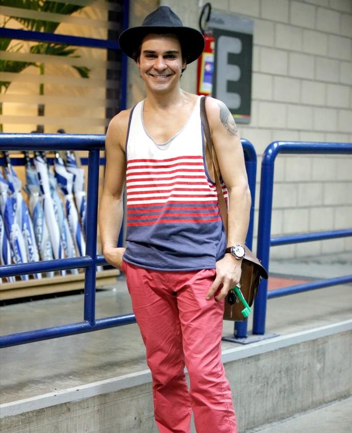 André mostra boa forma que conquista com passeios ao ar livre e sem dieta (Foto: Artur Meninea/Gshow)