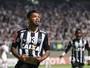 """Carlos vê derrota do Inter no Beira-Rio e fica a """"detalhes"""" de anúncio"""