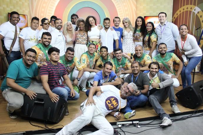 Equipe que trabalhou no último 'Paneiro' de 2016 (Foto: Katiúscia Monteiro/ Rede Amazônica)