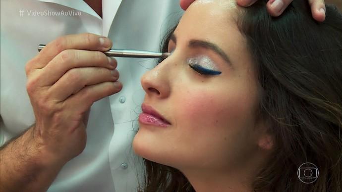 A sombra prata também é tendência em maquiagem para 2017  (Foto: TV Globo)