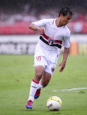 Jadson, do São Paulo, em jogo contra a Lusa (Foto: Marcos Ribolli / Globoesporte.com)