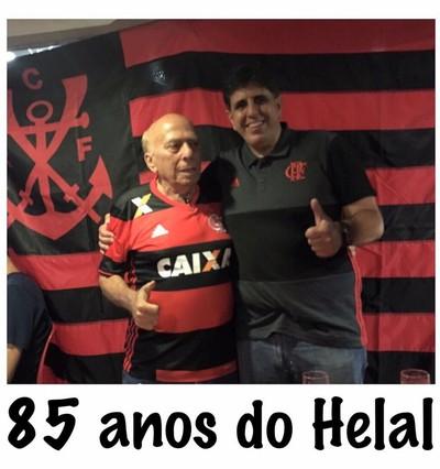 George Helal foi festejado na Boca Maldita; na foto, é abraçado por Maurício Gomes de Mattos (Foto: Reprodução/Facebook)