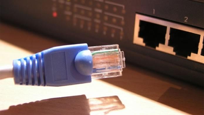 Evite possíveis interferências de redes via Wi-Fi optando por conexões com o cabo (Foto: Reprodução/Daniel Ribeiro)