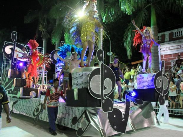 A noite de Corumbá e seus encantos foi o tema do enredo da escola de samba Mocidade Independente (Foto: Kléverton Velasques/Prefeitura de Corumbá)