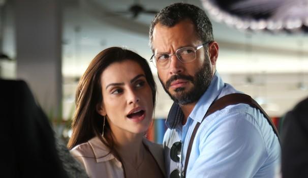 Tati pede Conrado em casamento, mas se decepciona com a resposta (Foto: Divulgação/Globo Filmes)