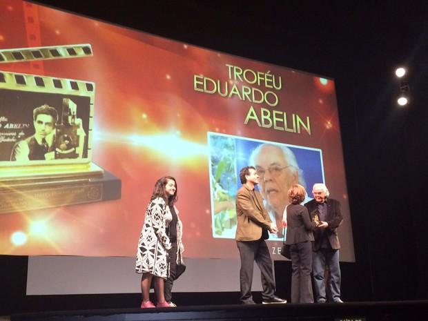 Zelito Viana foi homenageado no Festival de Cinema de Gramado (Foto: Reprodução/SporTV)