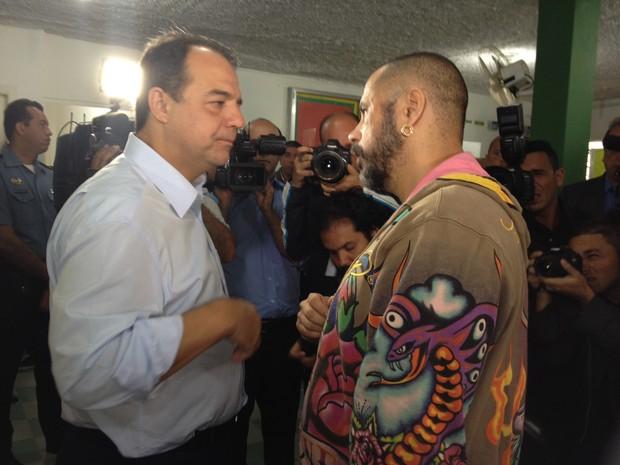 Sérgio Cabral e outras autoridades estiveram presentes na inauguração do espaço (Foto: Mariucha Machado / G1)