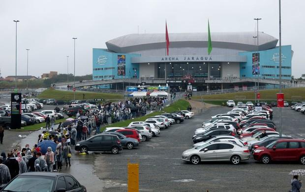 fila ingressos arena jaraguá UFC belfort Rockhold (Foto: Ivan Raupp)