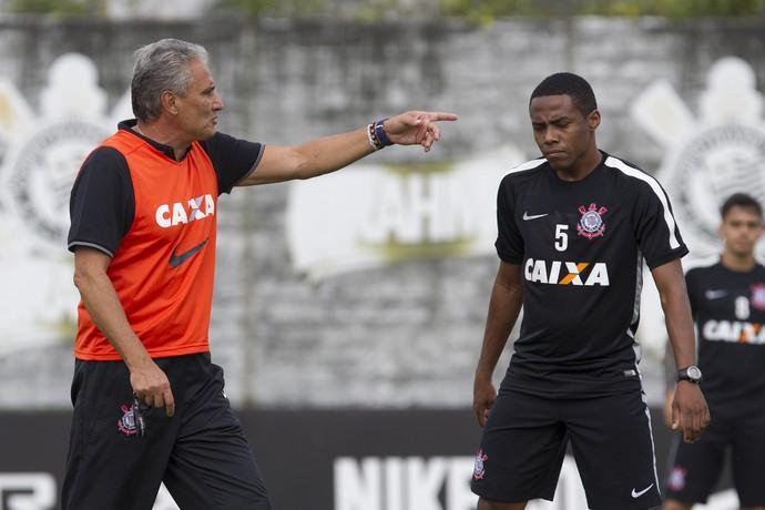 Tite treina sincronismo do ataque do Corinthians no esquema 4-1-4-1