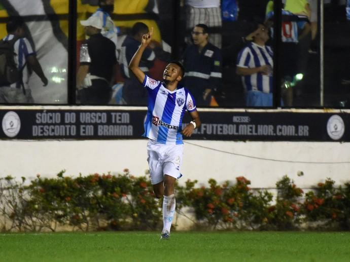 Paysandu comemora vitória em São Januário (Foto: André Durão/Globoesporte.com)