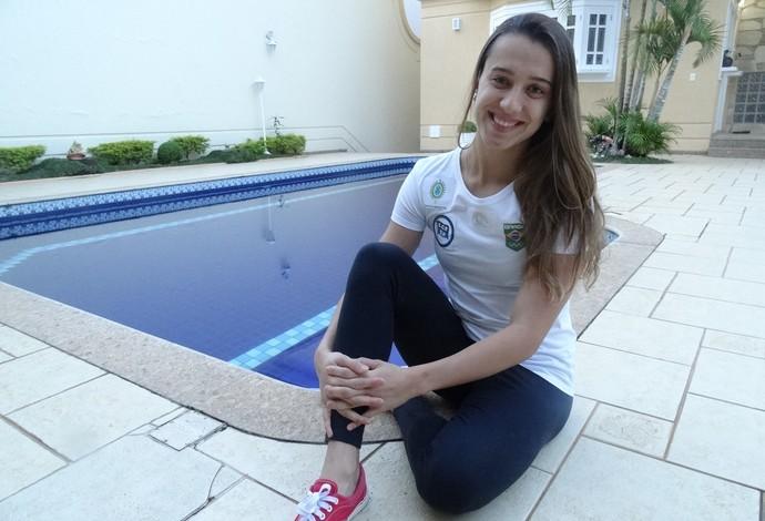 Larissa Martins Oliveira natação piscina Juiz de Fora  (Foto: Bruno Ribeiro)