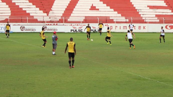 Vila Nova - treino (Foto: Fernando Vasconcelos / Globoesporte.com)