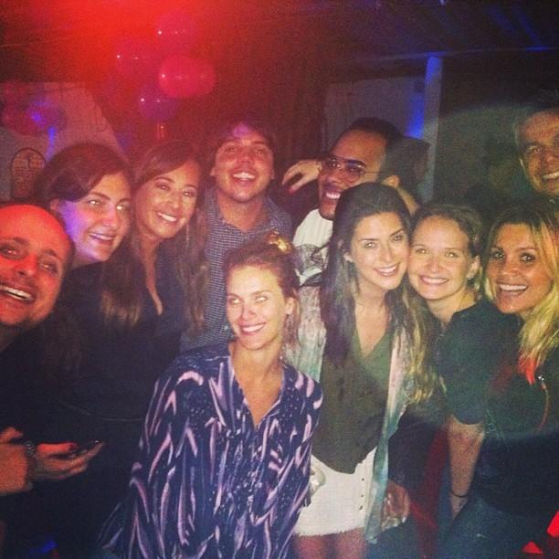 Fernanda Paes Leme faz festa com amigos famosos (Foto: Reprodução/Instagram)