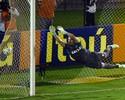 Paulo Victor (Flamengo) e Denis (São Paulo) não são culpados por todos os gols que seus times tomam