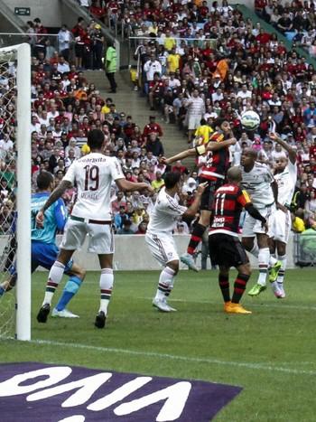 Wallace primeiro gol Flamengo Fluminense (Foto: Estadão Conteúdo)