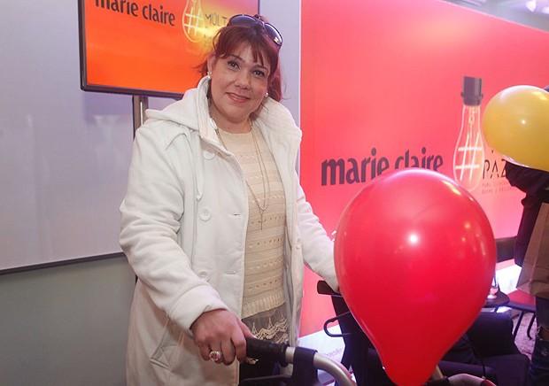 Glauce Helena Rodrigues Rocha: a designer iniciou o tratamento só depois de ficar paralisada por não confiar no diagnóstico de esclerose múltiopla (Foto: Charles Naseh)