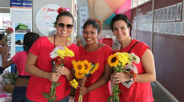 Carolina Araujo, Tamires Ribeiro e Monica Picavêa em ação na Brasilândia, Zona norte de São Paulo, em 2013 (Foto: Divulgação)
