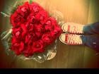 Antonia Morais ganha coração de rosas do namorado