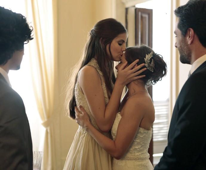Angel se emociona em casamento (Foto: Felipe Monteiro/ Gshow)