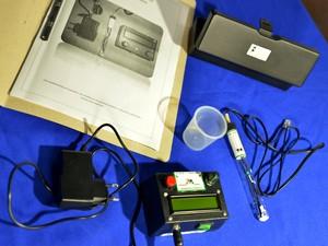 Termômetro auxiliará alunos com deficiência visual e auditiva (Foto: Fernando Oliveira/ UERR)