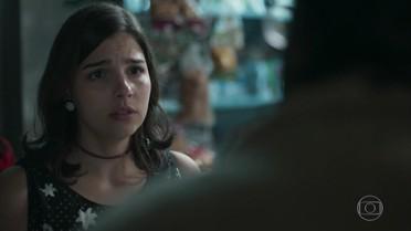 Keyla descobre que o rapaz que foi a seu encontro não é Deco
