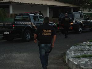 A Polícia Federal deflagrou na manhã desta terça-feira (16) uma operação contra o furto de cargas no Porto de Aratu, em Candeias, na região metropolitana de Salvador  (Foto: Divulgação/ Polícia Federal)