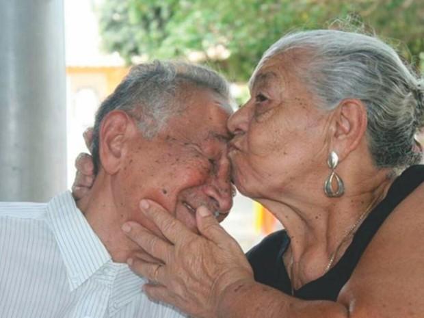 José Menezes e Crispina estavam casados há 60 anos (Foto: Arquivo pessoal / Família)