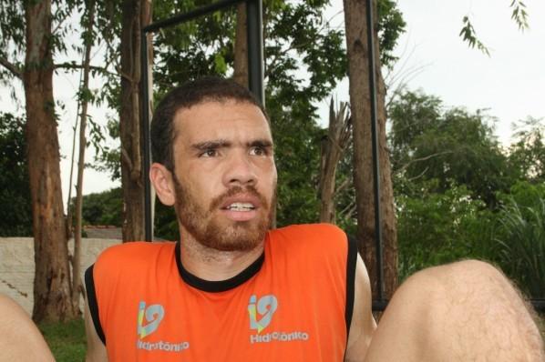 Hernandes também defendeu o Mixto-MT (Foto: Divulgação Mixto)