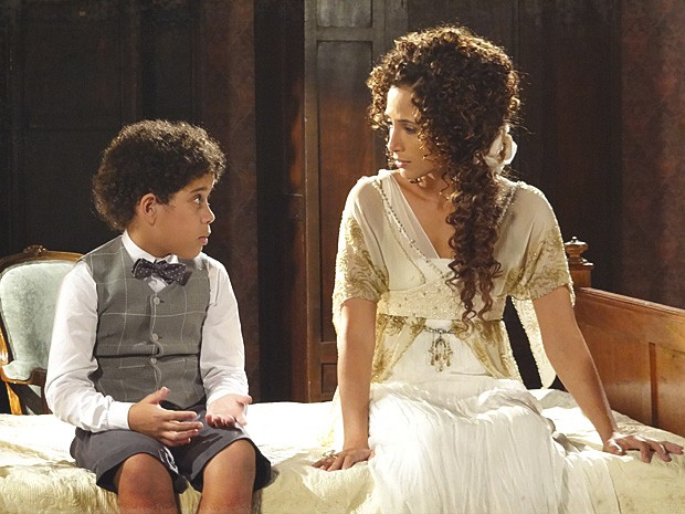 Elias sente a falta de Constância e pede para vê-la (Foto: Lado a Lado / TV Globo)