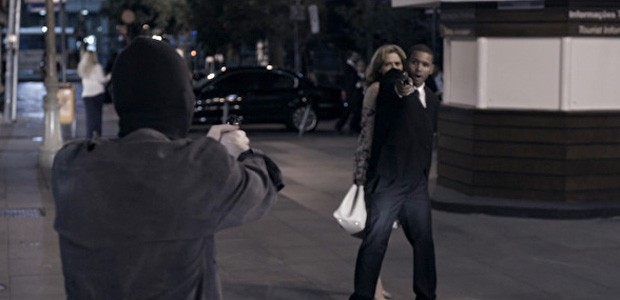 Tentativa de sequestro agita o capítulo desta segunda (Foto: O Rebu / TV Globo)