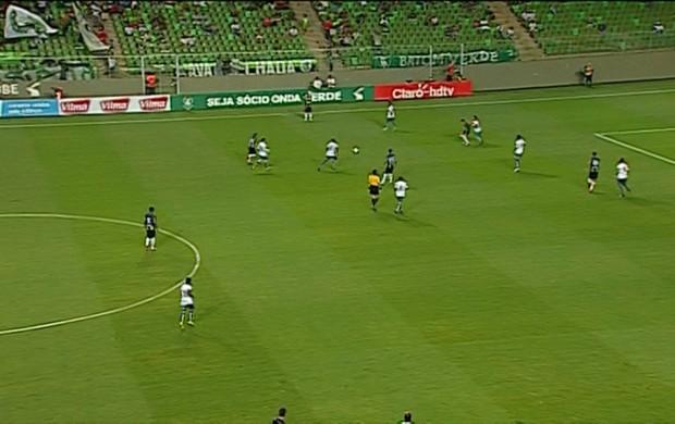 Frame de América-MG x Caldense pelo Campeonato Mineiro (Foto: Reprodução \Premiere)