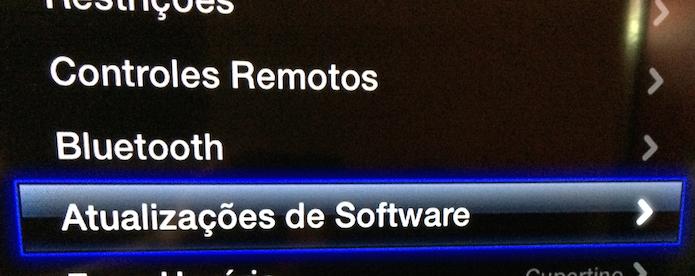 Acessando o item Atualizacoes de Software (Foto: Reprodução/Edivaldo Brito)