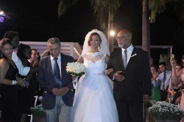 Monarco da Portela, Juliana Diniz e seu pai Mauro Diniz (Foto: Isac Luz/EGO)
