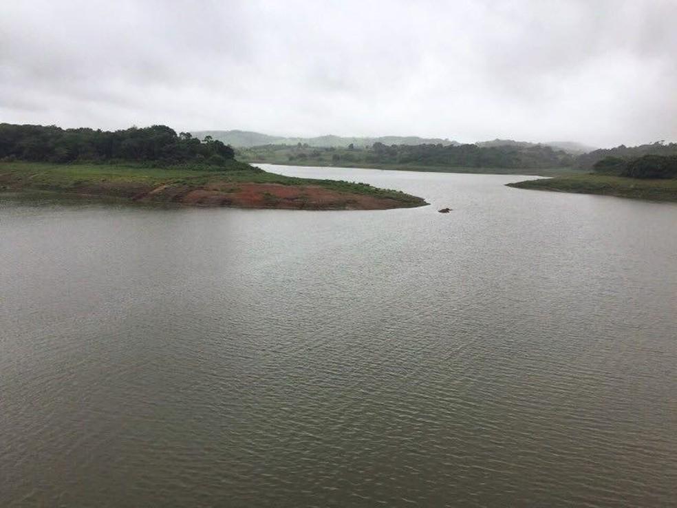 Barragem do Prata acumula 10 milhões de metros cúbicos no domingo (28) (Foto: Compesa/Divulgação )