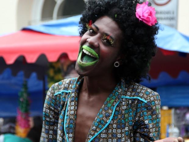 Personagens alegraram a Charanga dos Artistas (Foto: Jéssica Balbino/ G1)