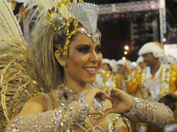 Inocentes de Belford Roxo - Renata Frisson, a Mulher Melão, é a rainha de bateria da escola (Foto: G1/Alexandre Durão)
