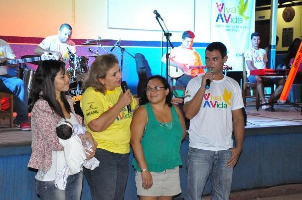 Jovem vem conseguindo vencer o vício com o apoio da família. (Foto: Priscila Miranda/ TV Tapajós)