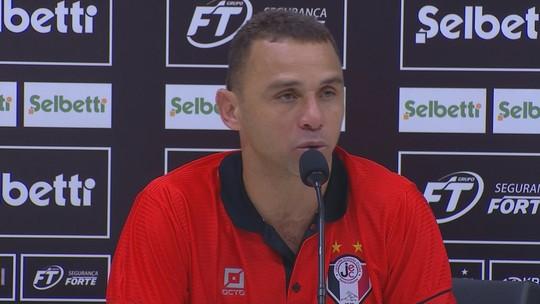 """Eliminado, Fabinho Santos sai satisfeito com apoio da torcida: """"Representa muito"""""""
