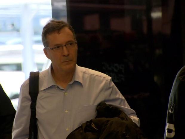 Ex-CEO da OSX, Luiz Eduardo Carneiro, foi preso e levado para sede da PF (Foto: Reprodução / GloboNews)